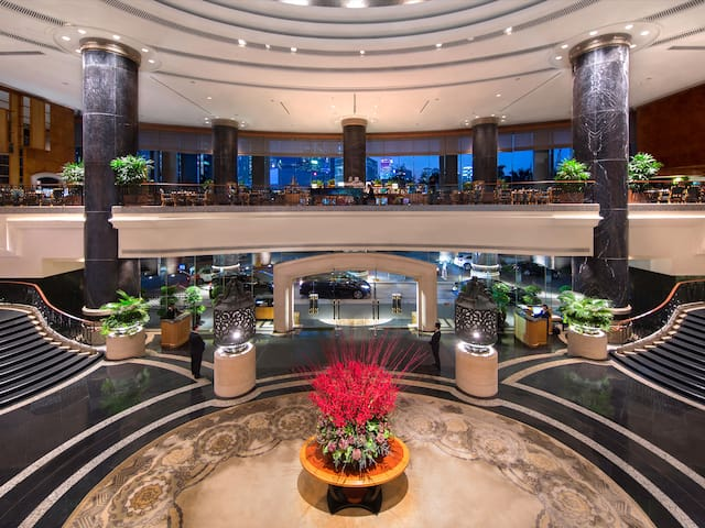 Grand Hyatt Hong Kong Lobby