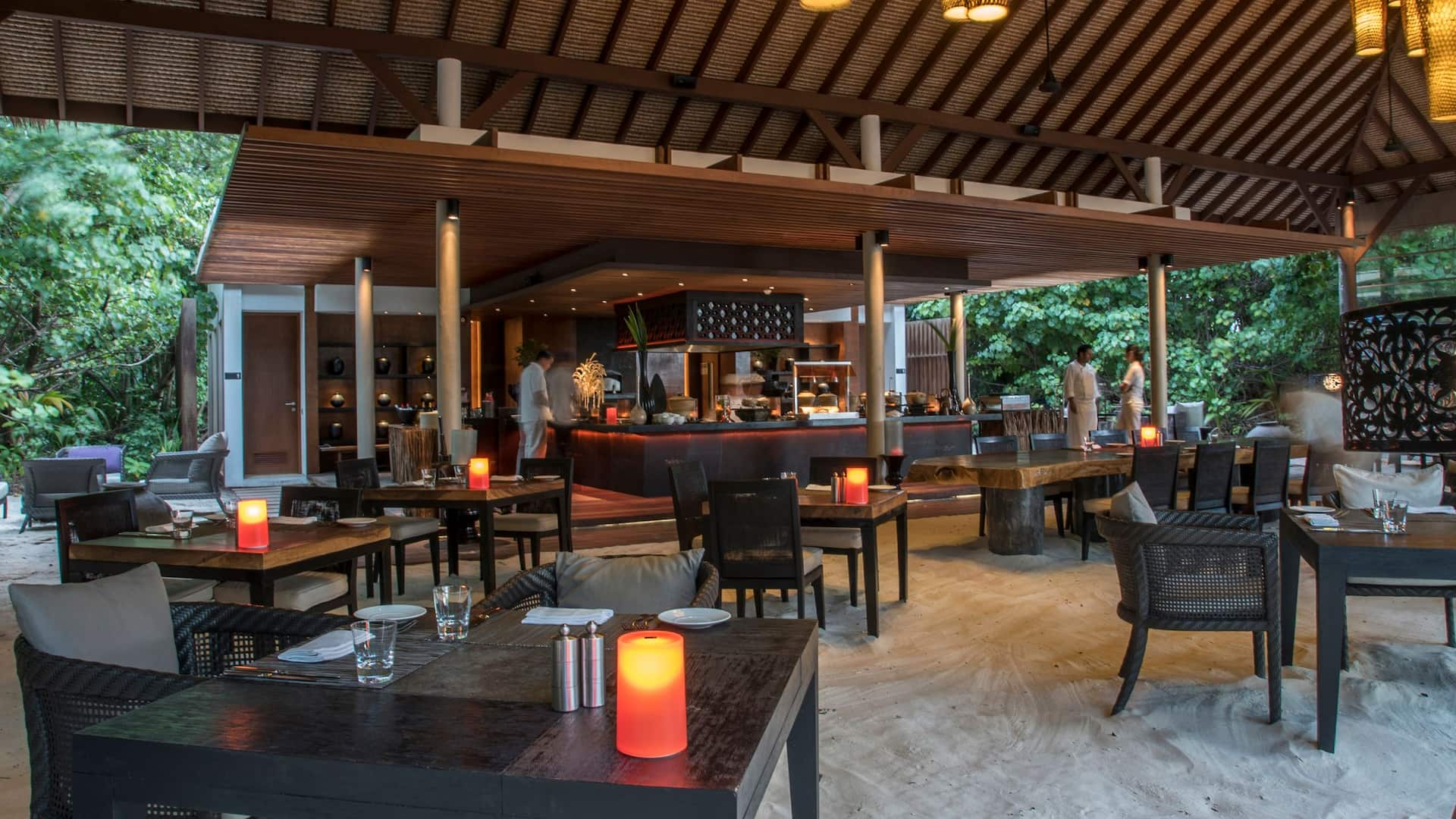 Luxury Resort in Maldives Island Grill