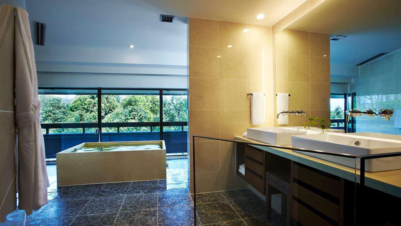 Kyoto Suite Bathroom