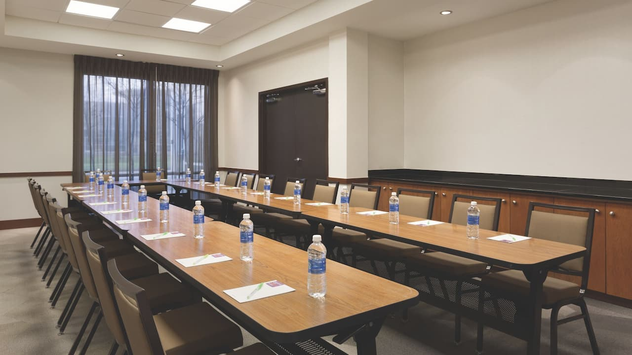 Book your meeting or event in our flexible meeting space.