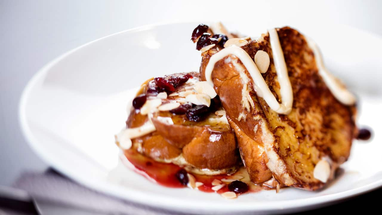 Almond crusted French toast at Cabinet Restaurant