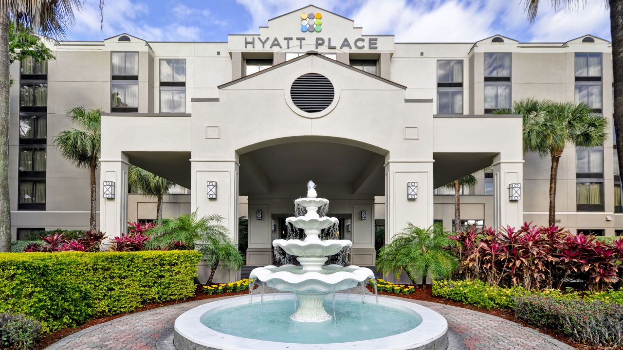 Hyatt Place Tampa Airport / Westshore Exterior maps and parking information
