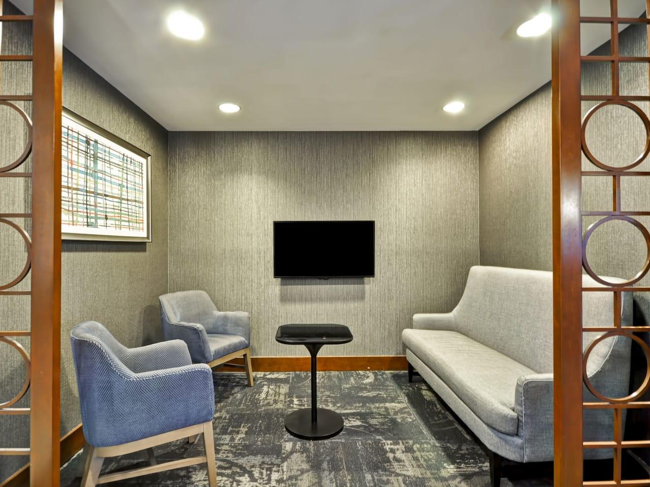 Hyatt Place Tampa Airport/Westshore Lobby Lounge