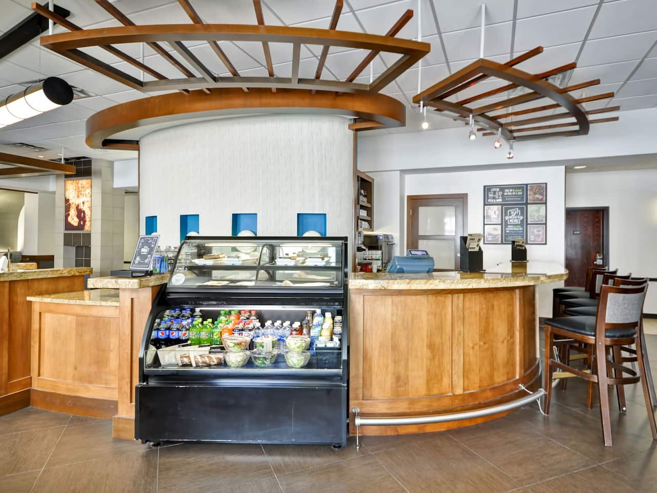 Hyatt Place Tampa Airport/Westshore Coffee to Cocktails Bar