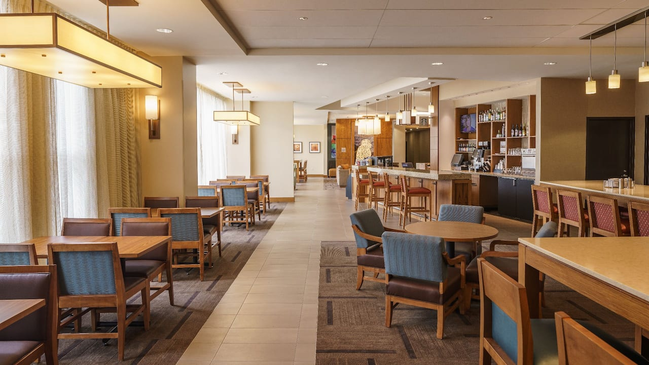 Dining at Hyatt Place Houston Galleria