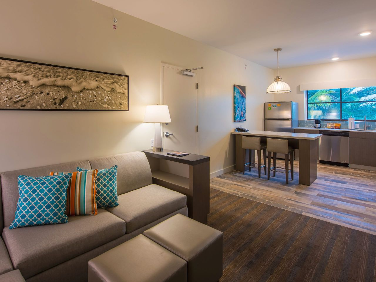 Hyatt House Naples / 5th Avenue One Bedroom Living
