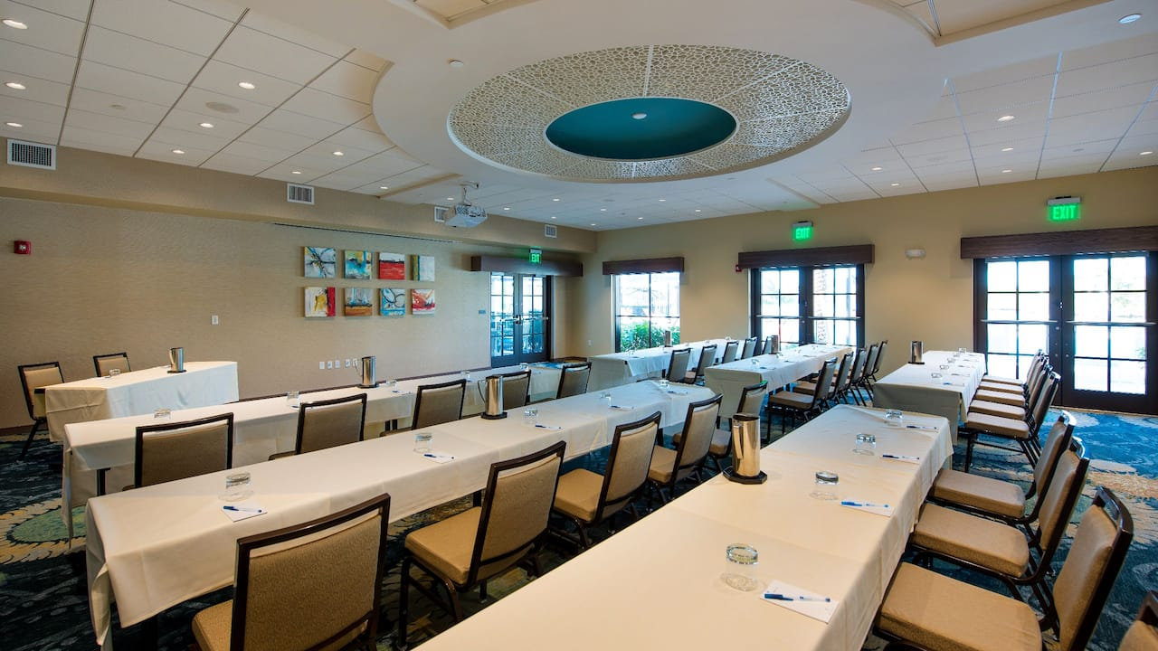 Spacious event/meeting space at the Hyatt House Naples / 5th Avenue