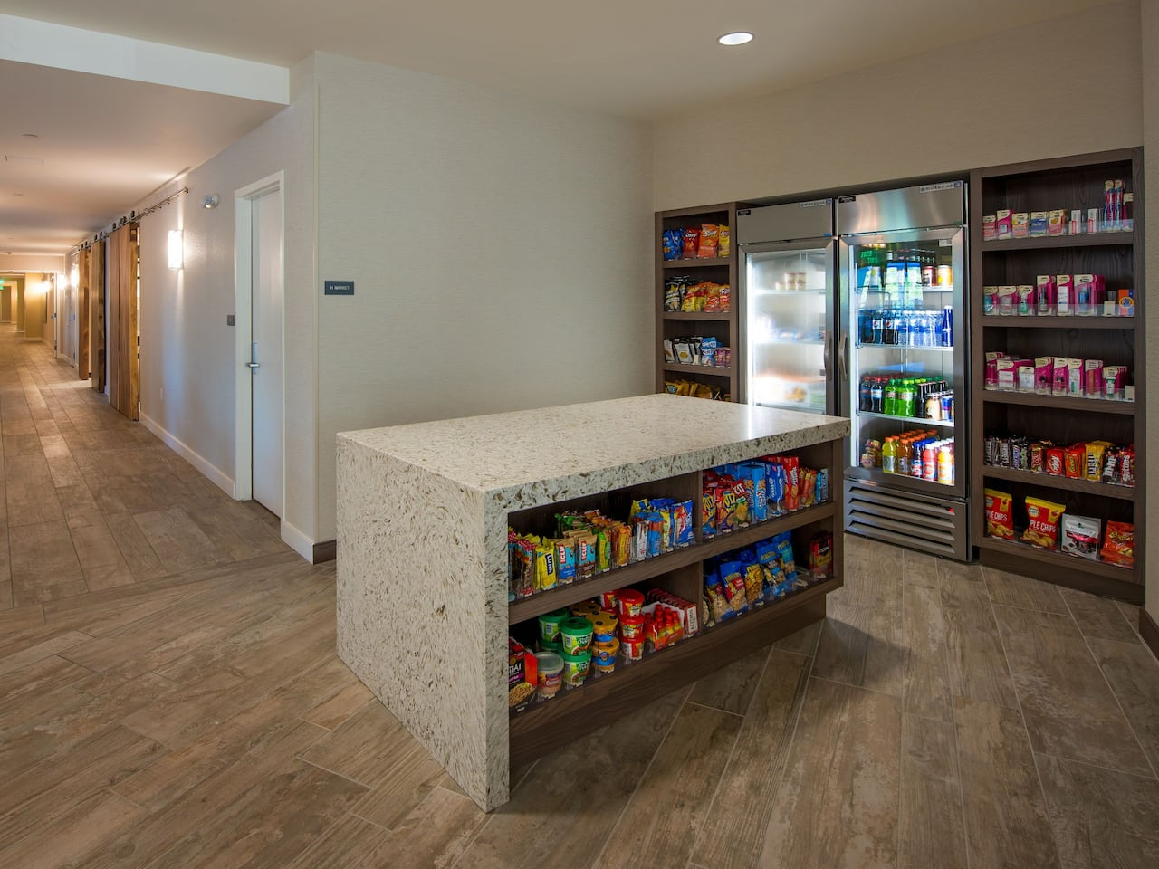 Hyatt House Naples / 5th Avenue H Market