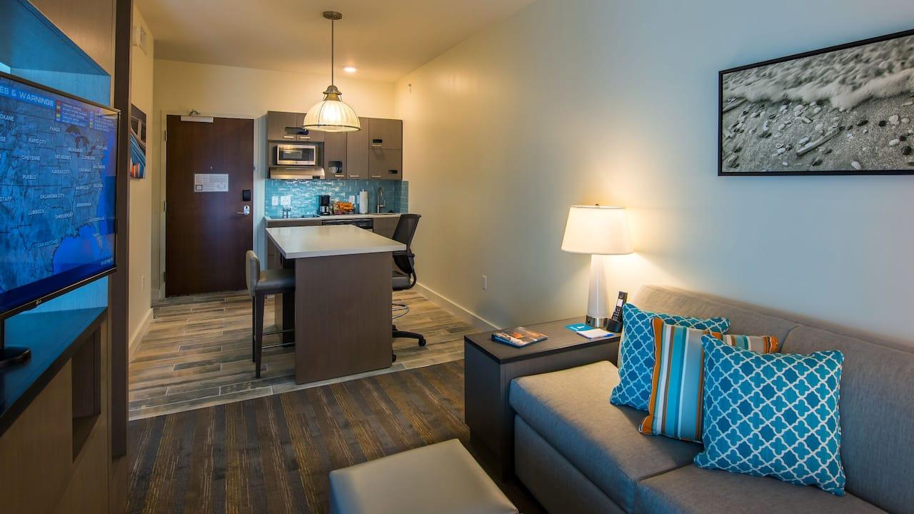 Room at Hyatt House Naples/5th Avenue