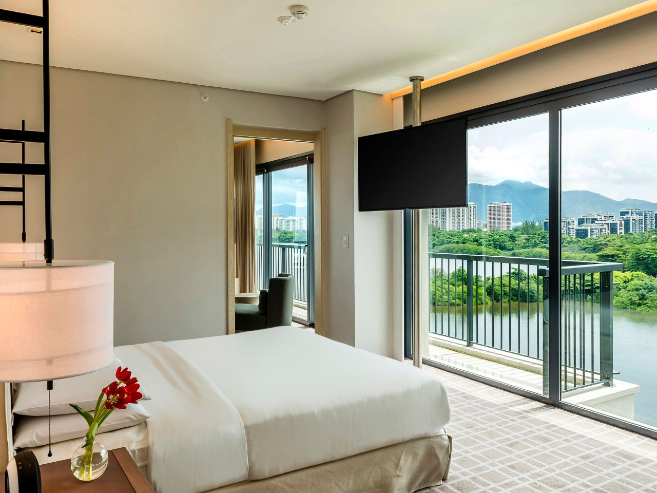 Grand Suite Ocean Lagoon Bedroom