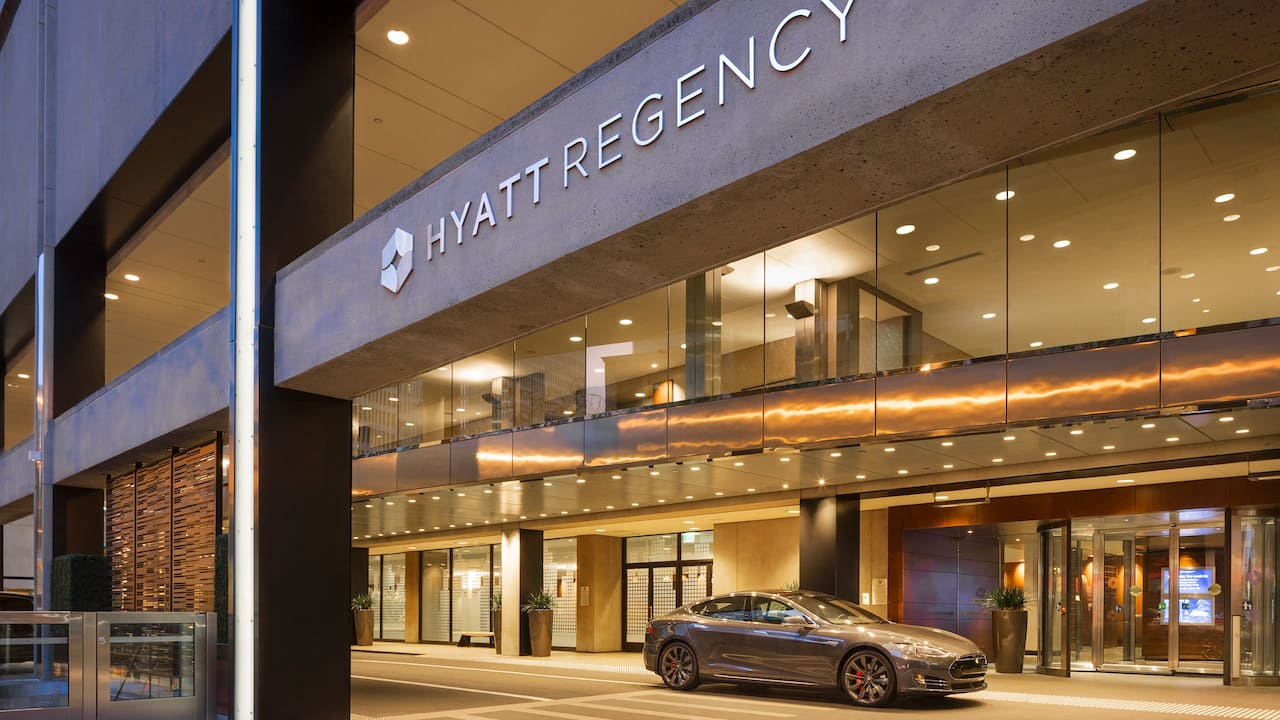 Hotel Entrance Hyatt Regency San Francisco