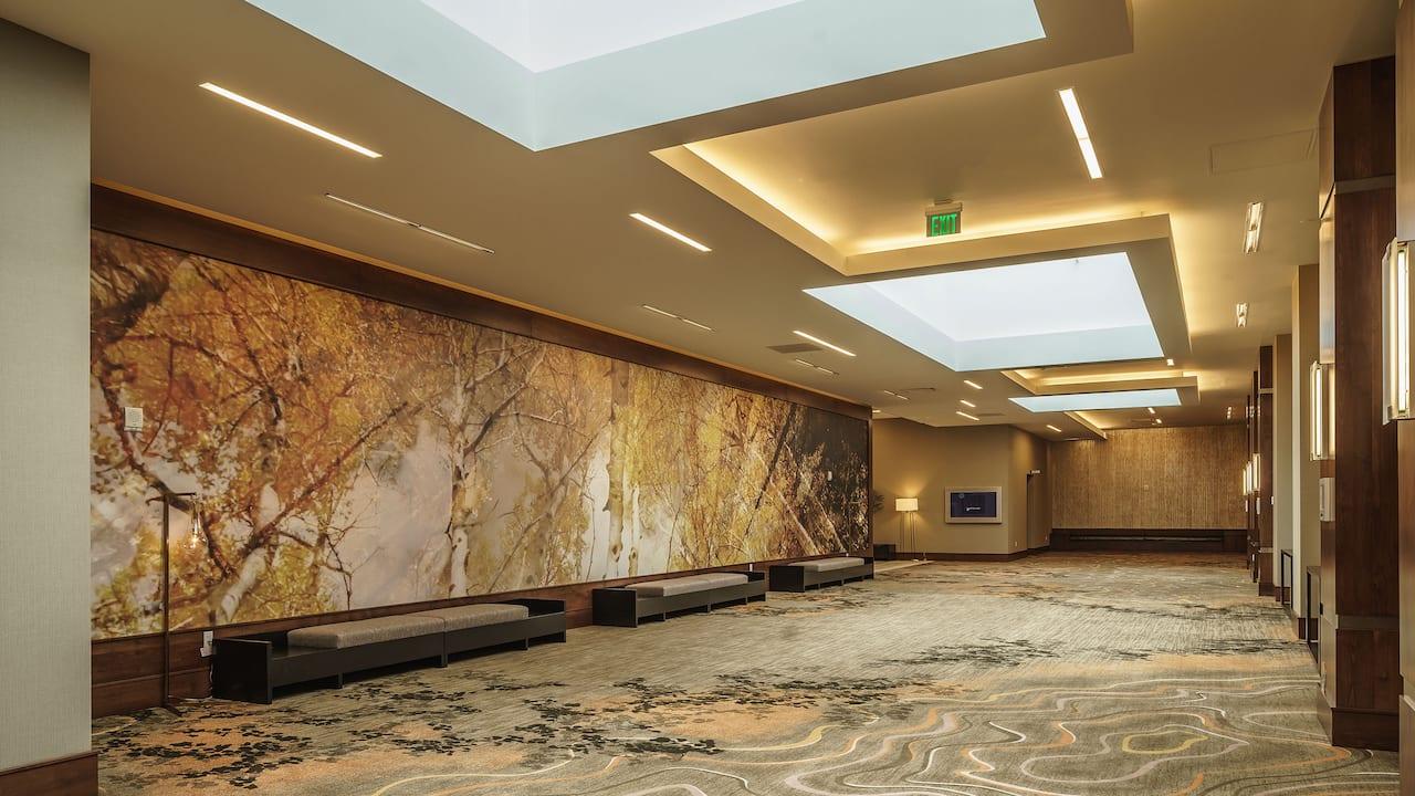 Denver Meeting Space Atrium at Hyatt Regency Aurora-Denver