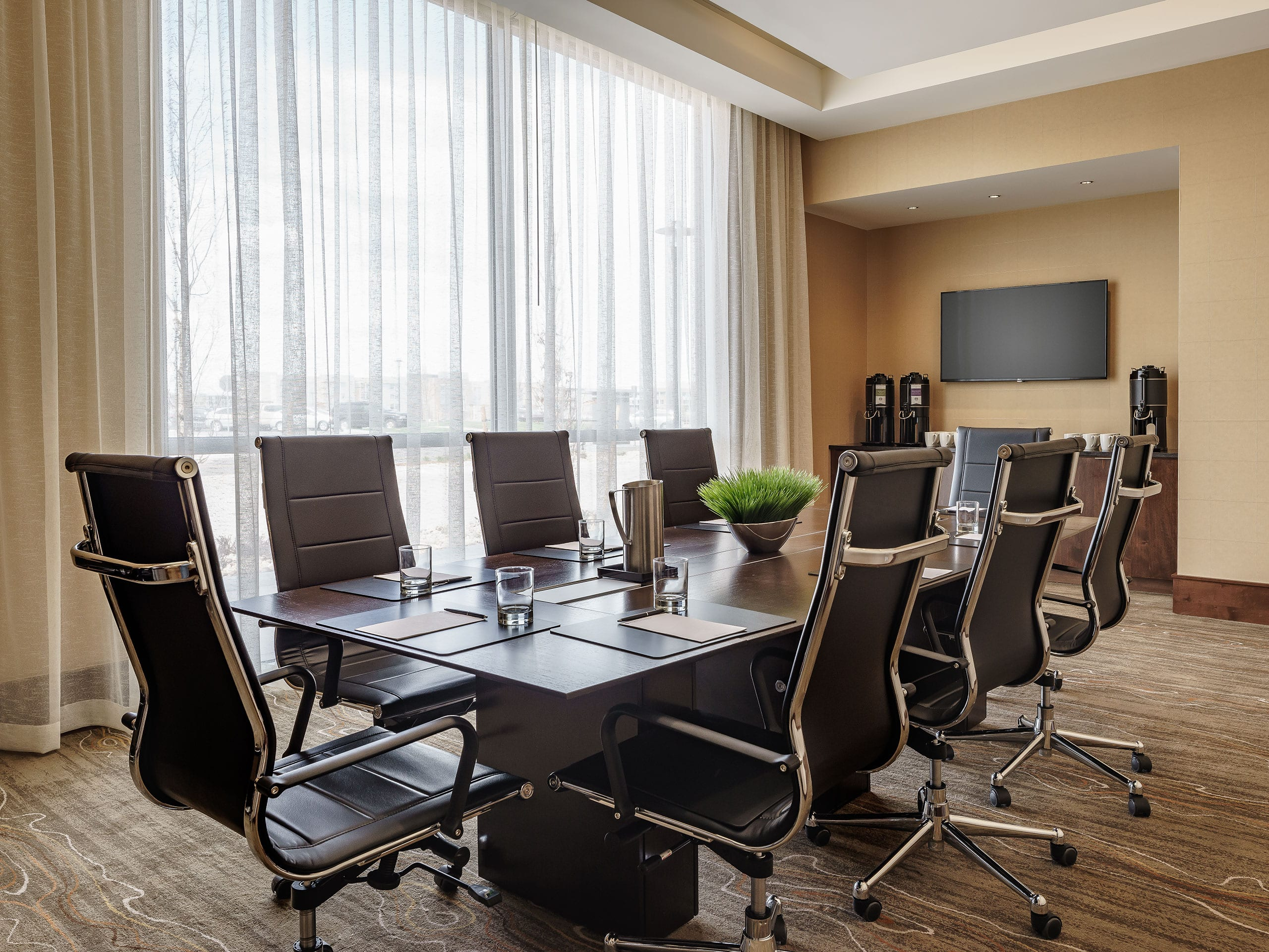Hyatt Regency AuroraDenver Conference Center Guest Photos - Regency conference table
