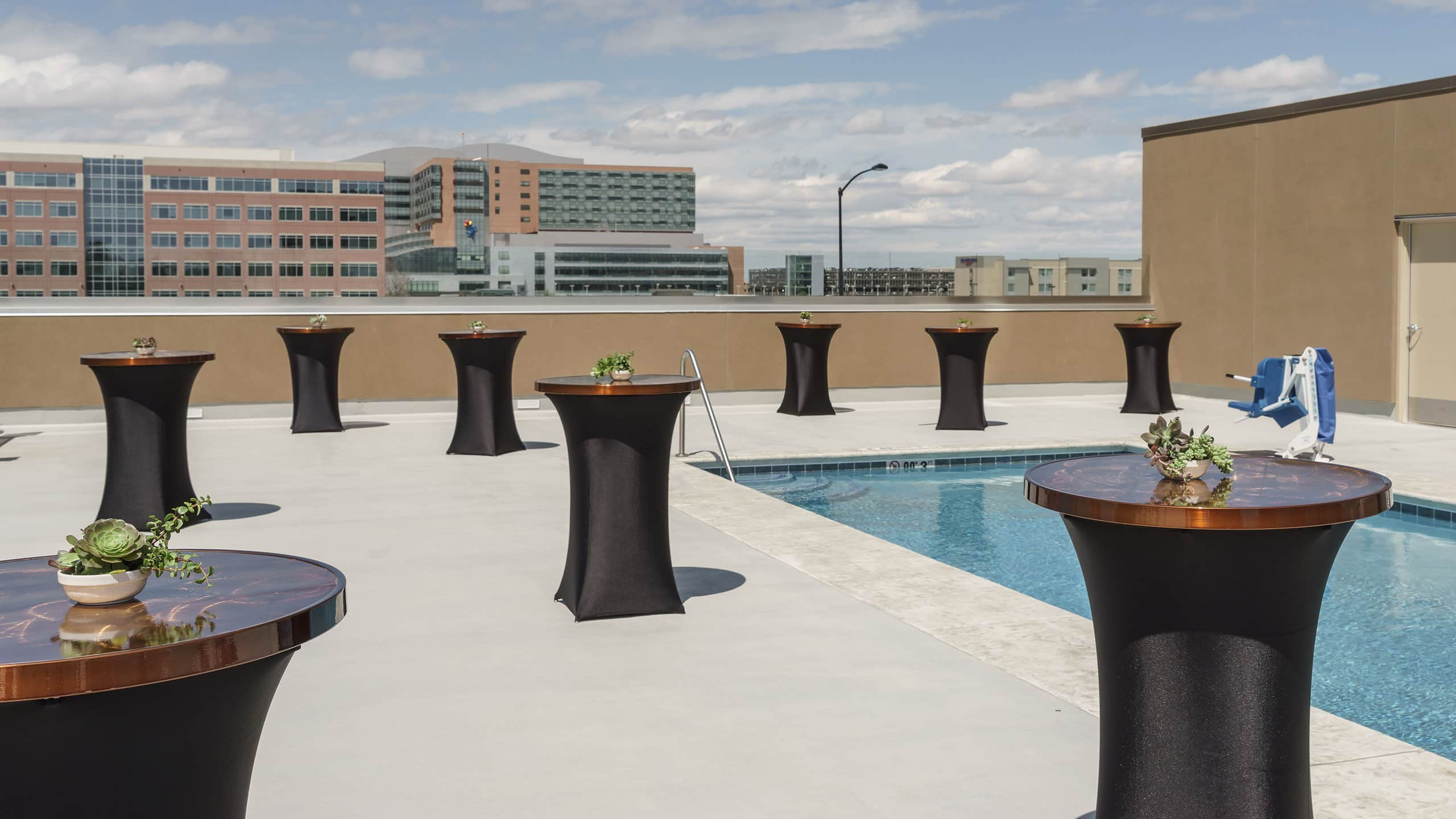 Picture of: Fotos De Los Huespedes Del Hyatt Regency Aurora Denver Conference Center