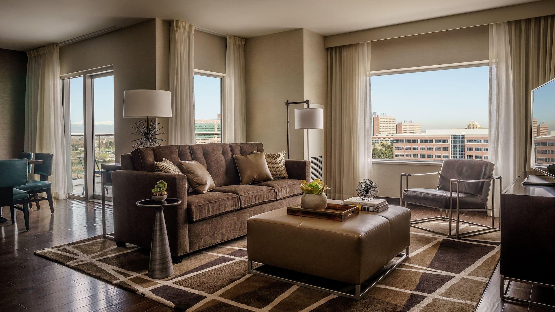 Denver Hotel Suite at Hyatt Regency Aurora-Denver