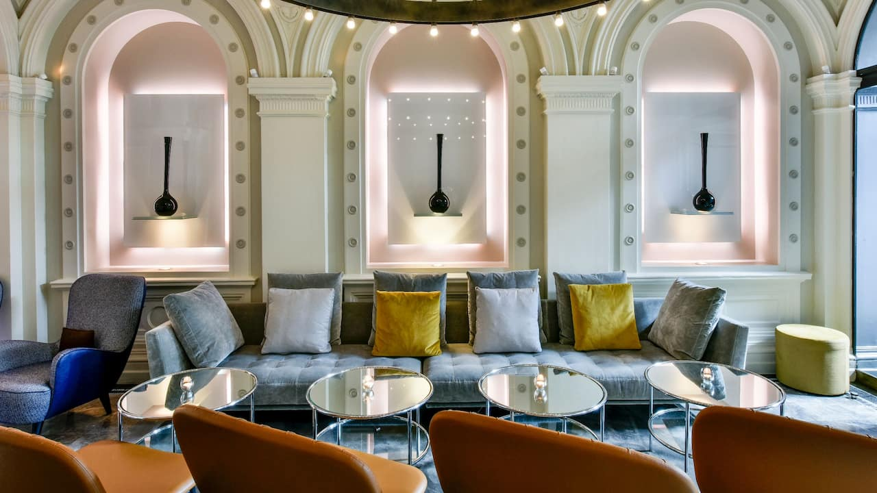 Wine lounge East London  | Andaz London Liverpool Street
