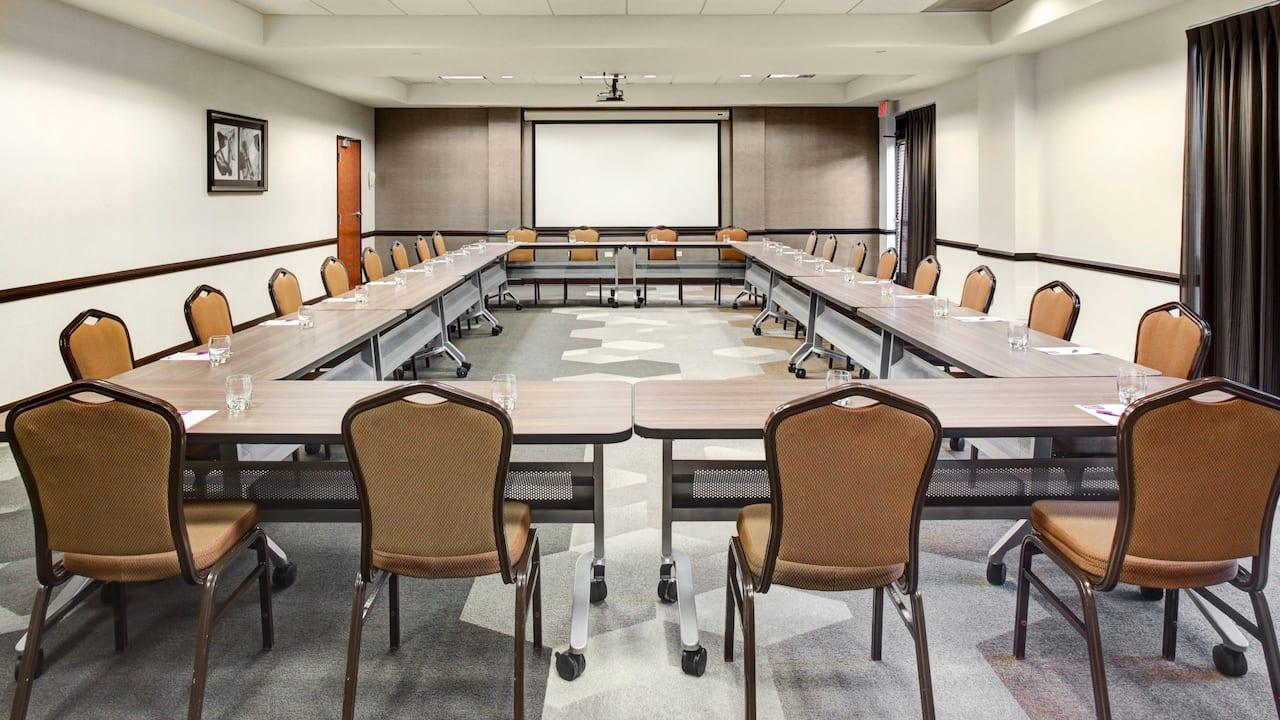 U shaped meeting room