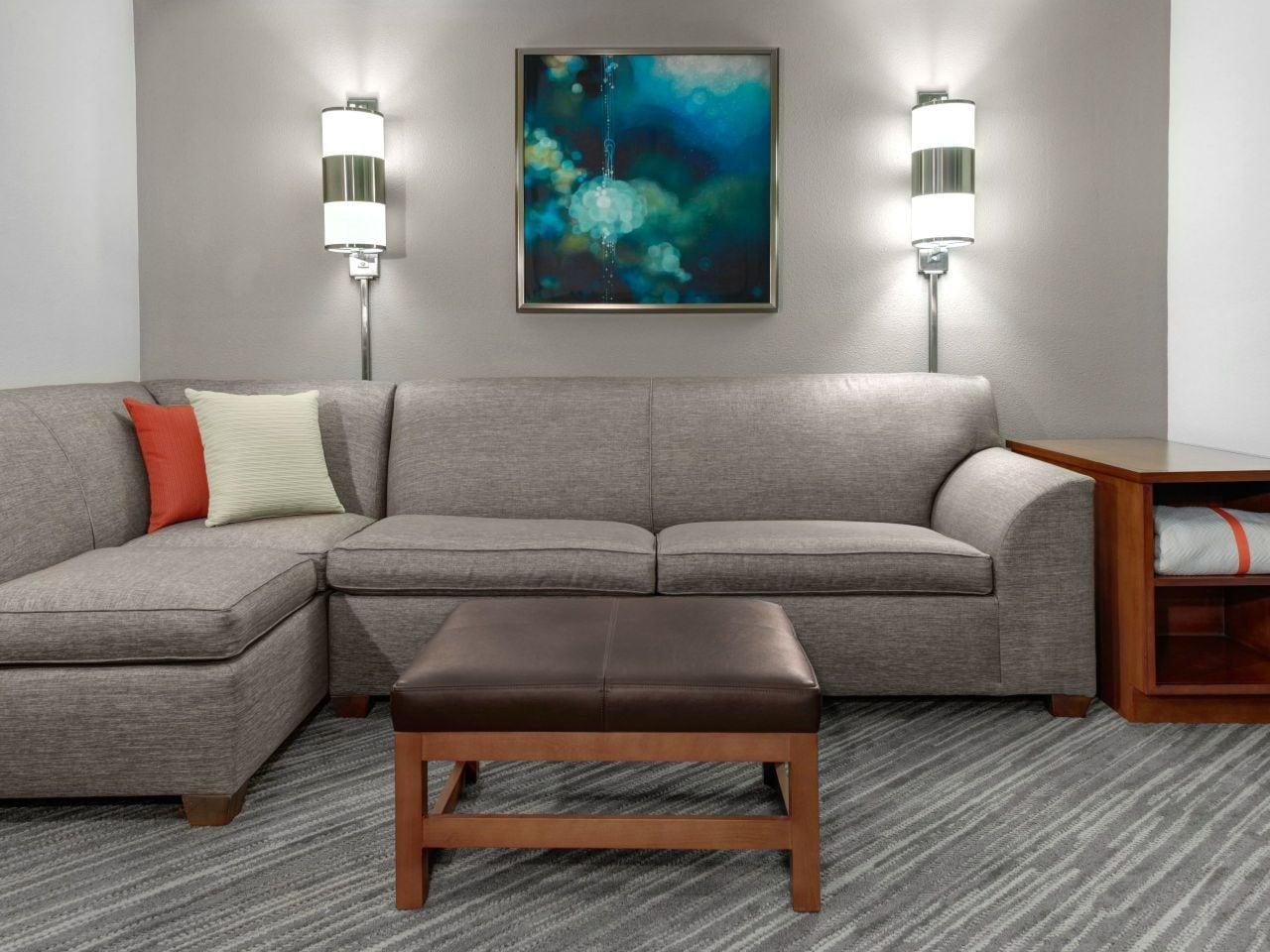 Guestroom Cozy Corner Sofa