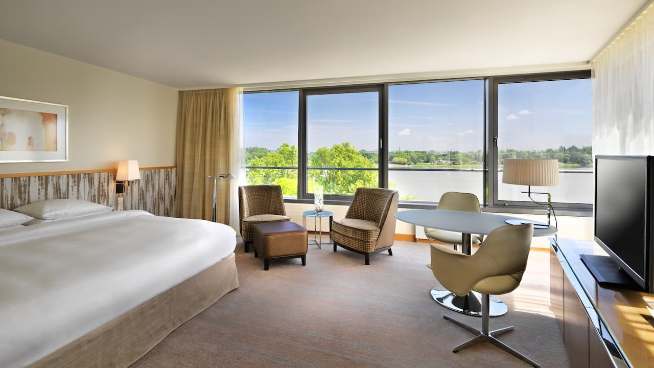 Club Deluxe Room with Rhine View at Hyatt Regency Mainz