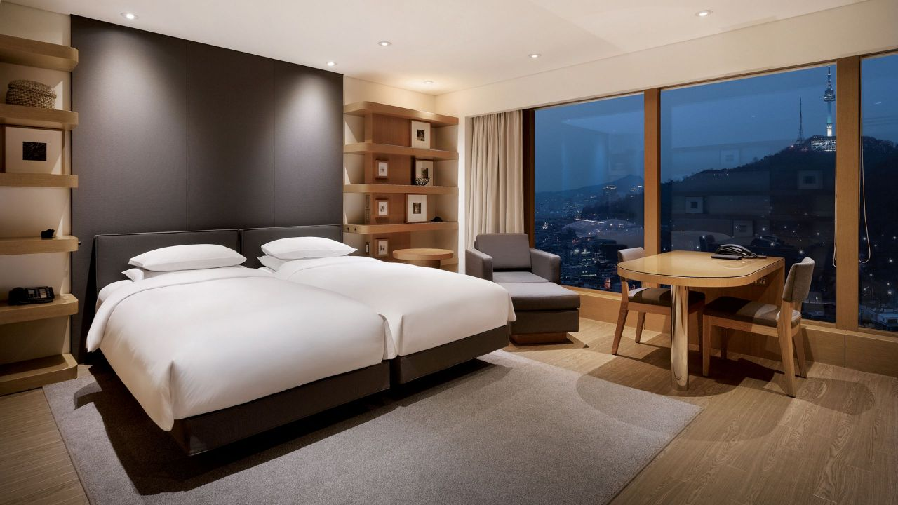 Grand Hyatt Seoul – 2 Twin Beds Corner Room with Views of Mt. Namsan