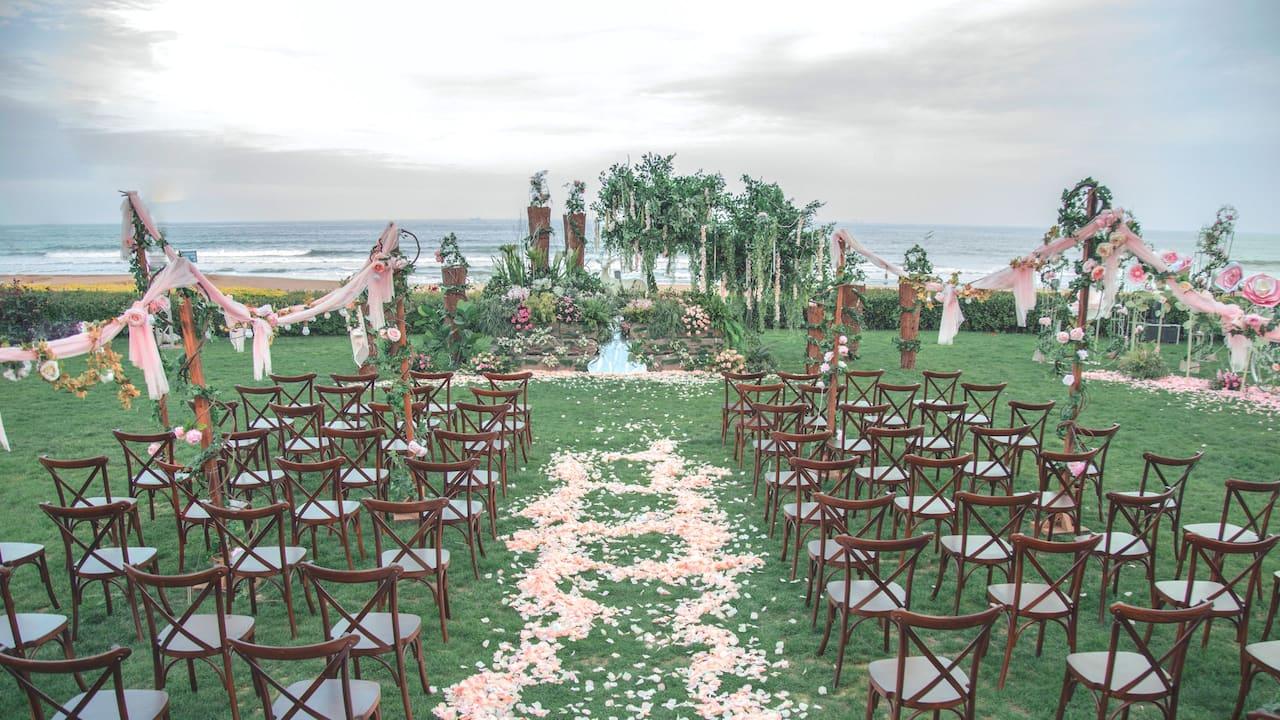 Wedding Show Lawn
