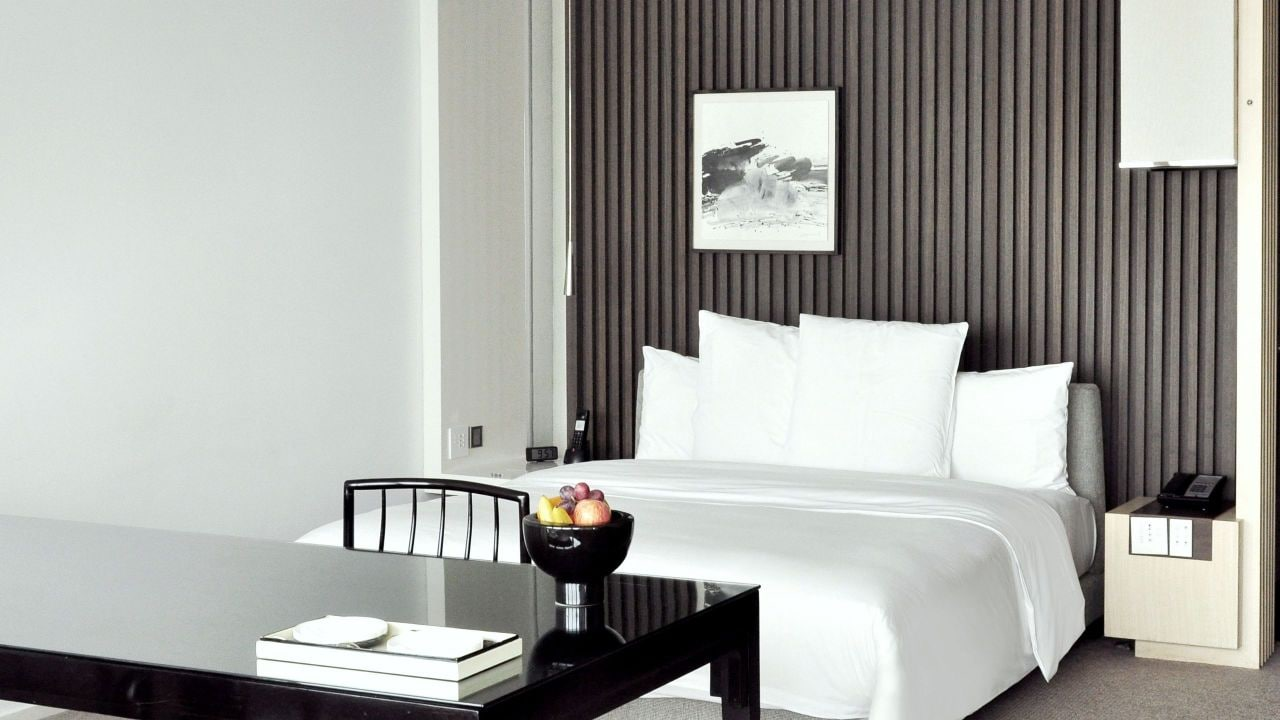 Deluxe King Room Bund View