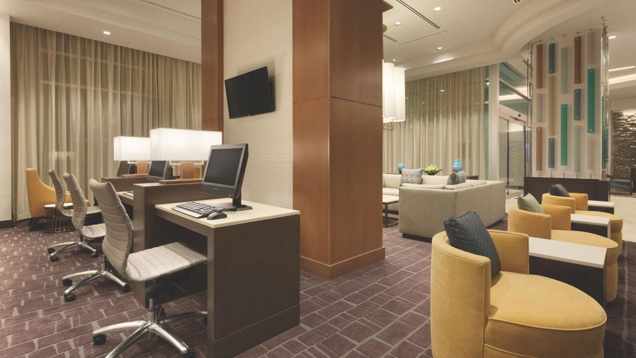 Hotel with 24/7 Business Center Hyatt Place Washington DC / Georgetown / West End