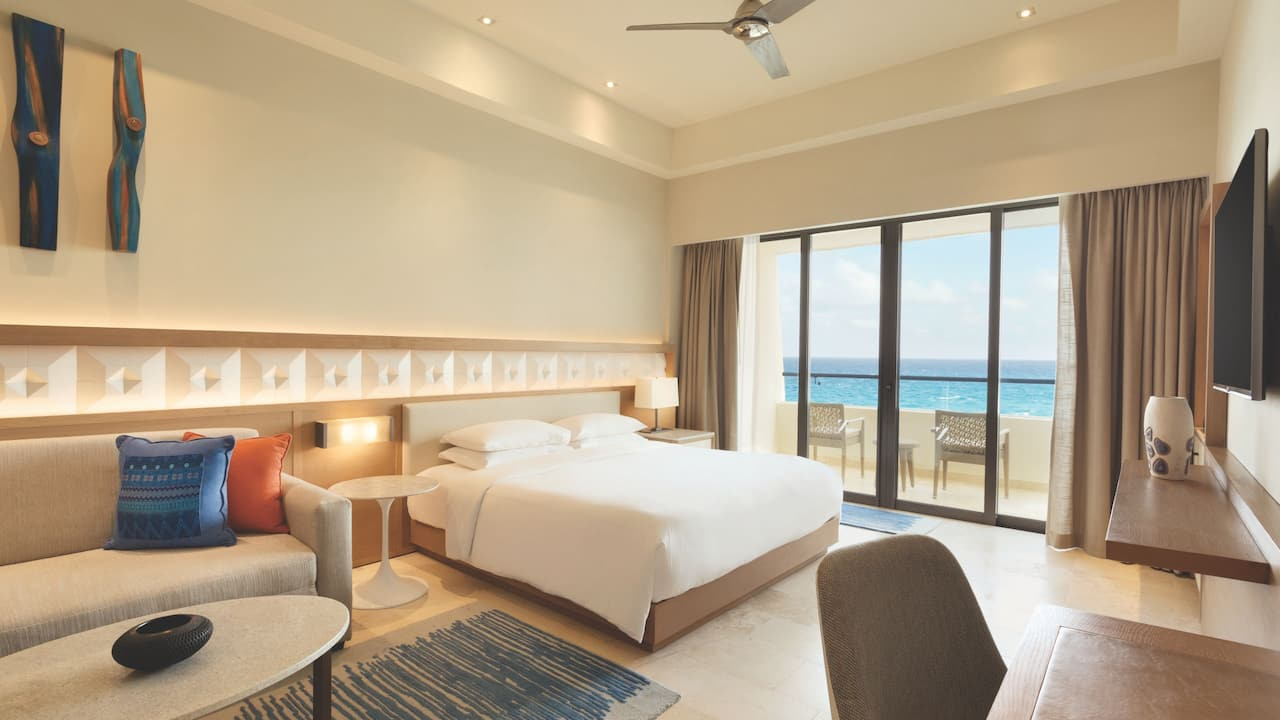 Ocean Front Pyramid Suite Bedroom