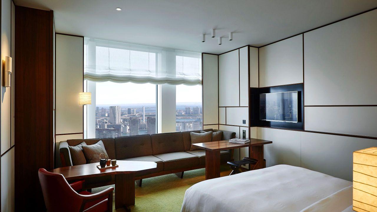 Andaz Tokyo Toranomon Hills, bay view king guestroom