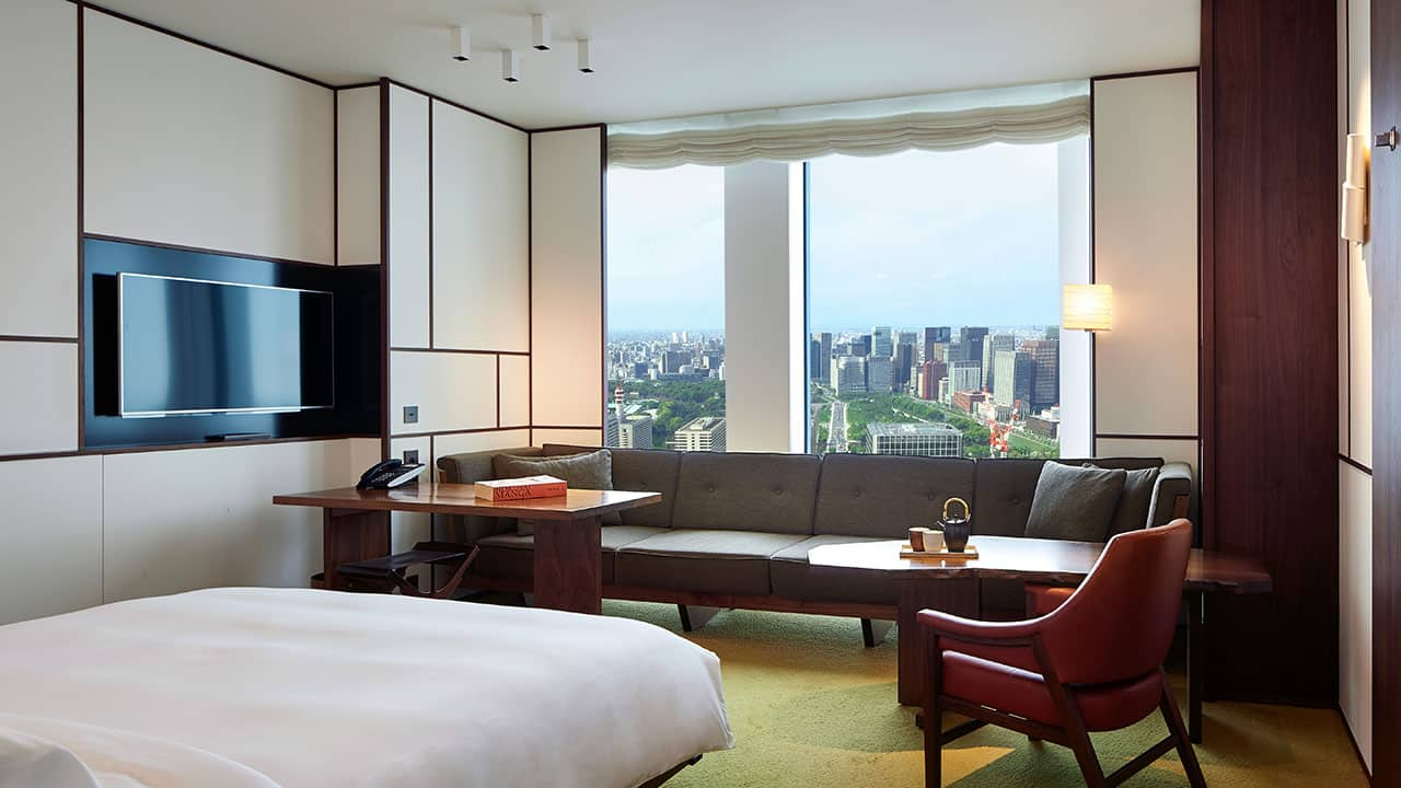 1 King Bed with Park View