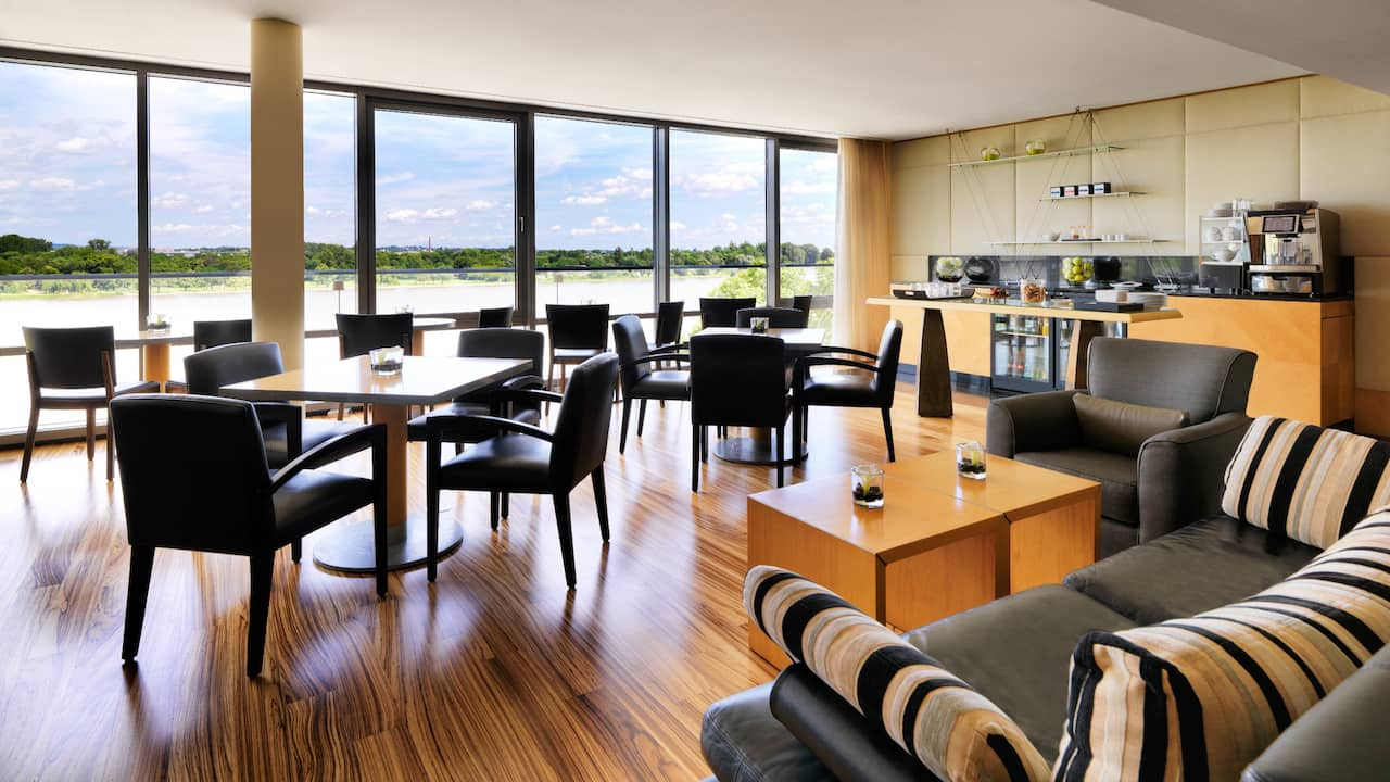 Regency Club Loung at Hyatt Regency Mainz