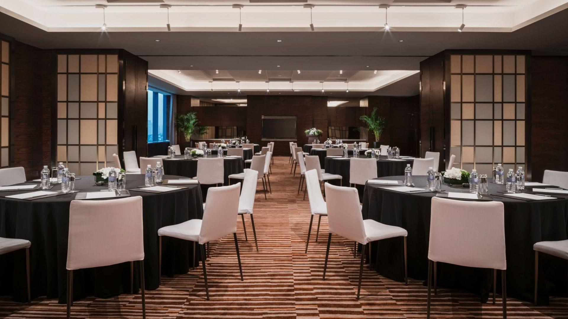 Event Salon Round Table