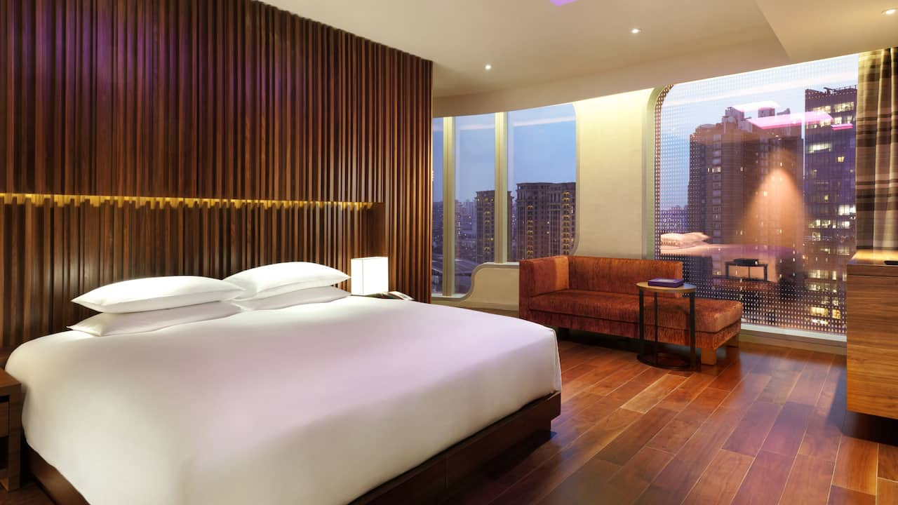 Andaz XINTIANDI, SHANGHAI Suite King Bed