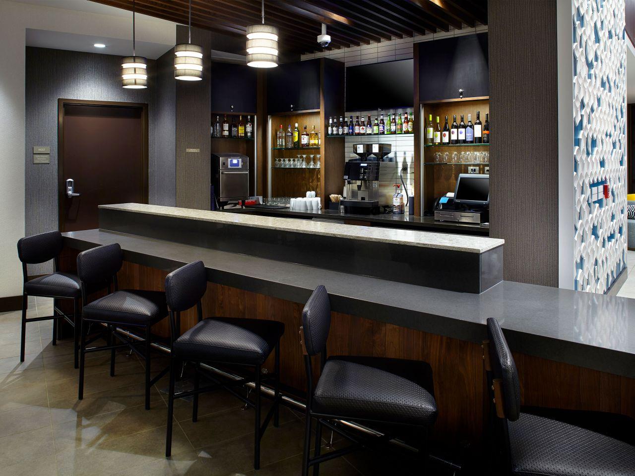 Hyatt Place Cleveland/Lyndhurst/Legacy Village Bar
