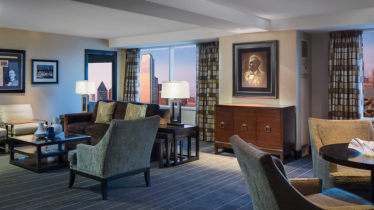 Penthouse Suite Parlor Hyatt Regency Dallas