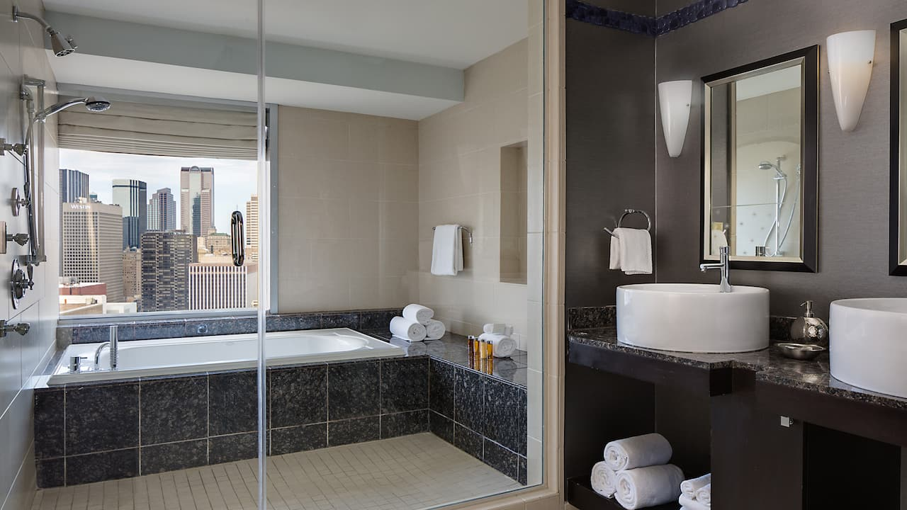 Presidential Suite Bath Hyatt Regency Dallas