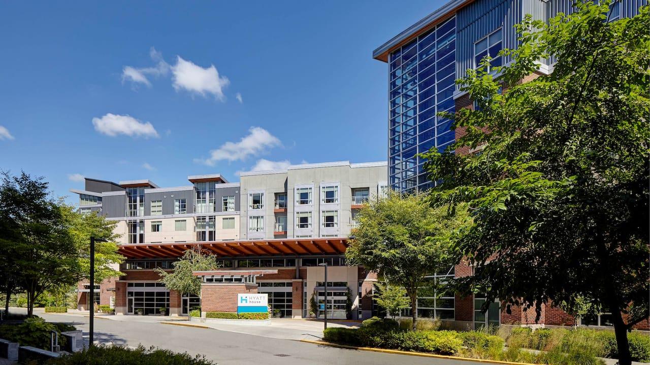 Modern Redmond WA Hotel – Exterior – Hyatt House Seattle/Redmond