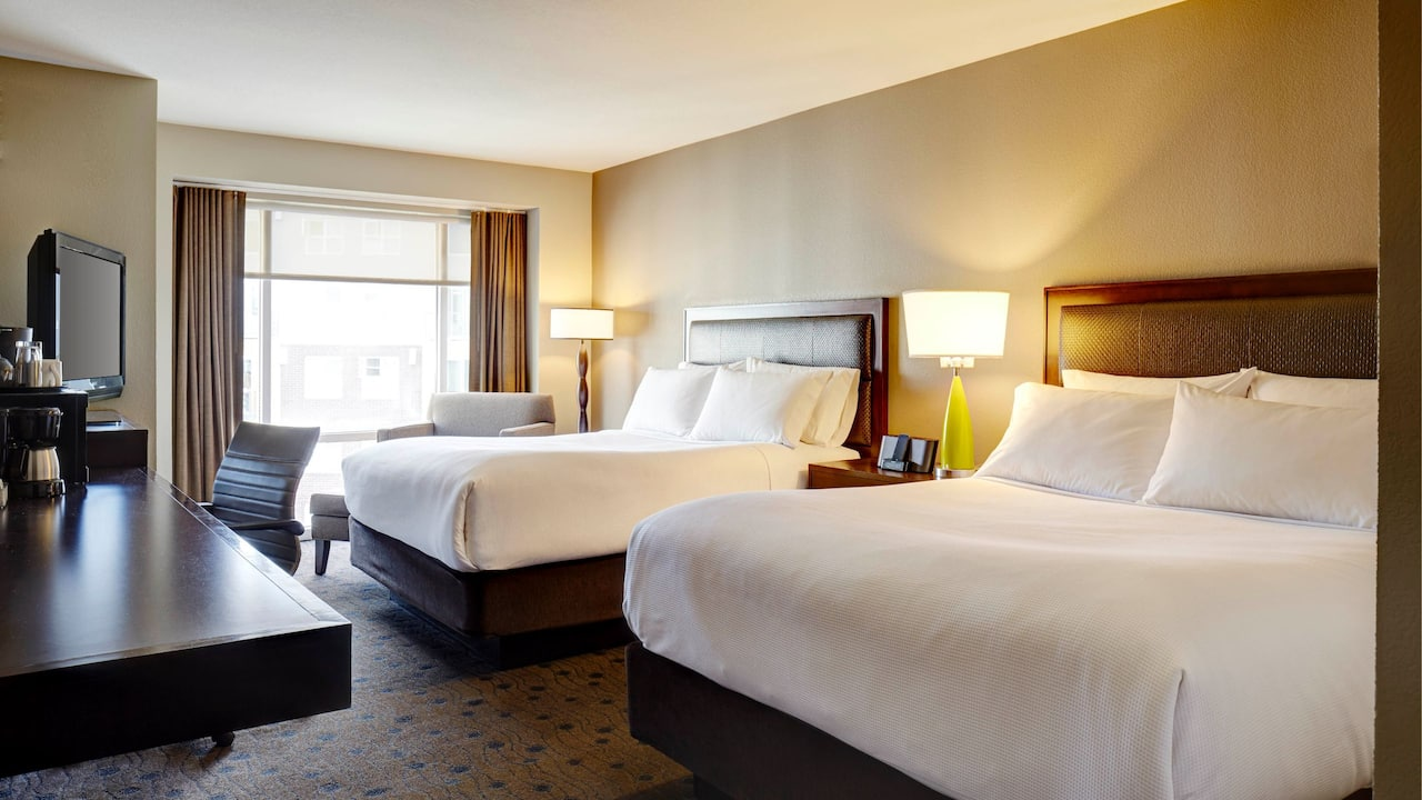Pet-Friendly Hotel Room in Redmond WA – Double Queen Guest Room – Hyatt House Seattle/Redmond