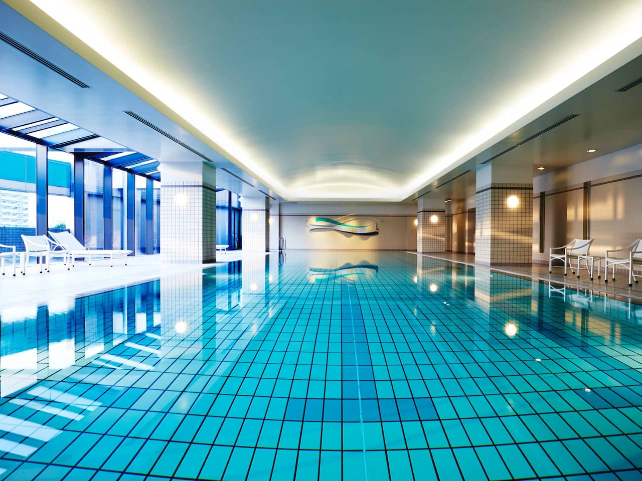 Indoor Swimming Pool - Hyatt Regency Osaka