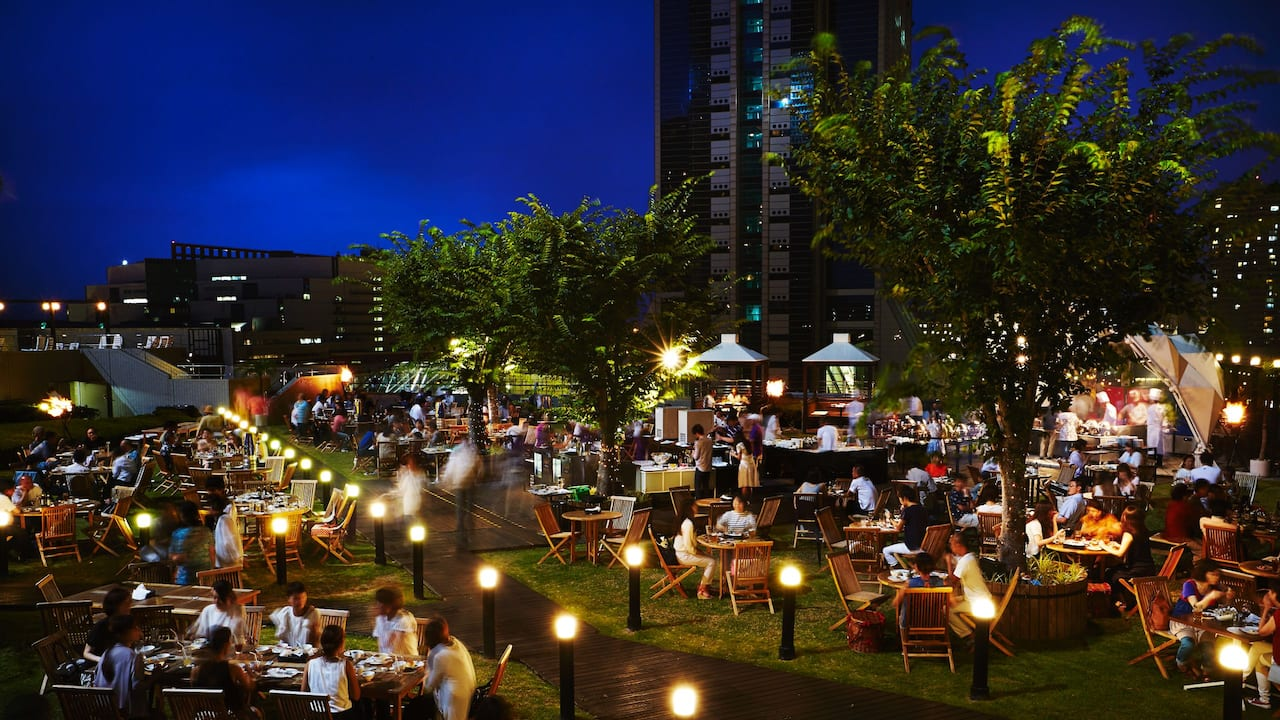 Roof Top Garden 'Pergola' nighttime - Hyatt Regency Osaka