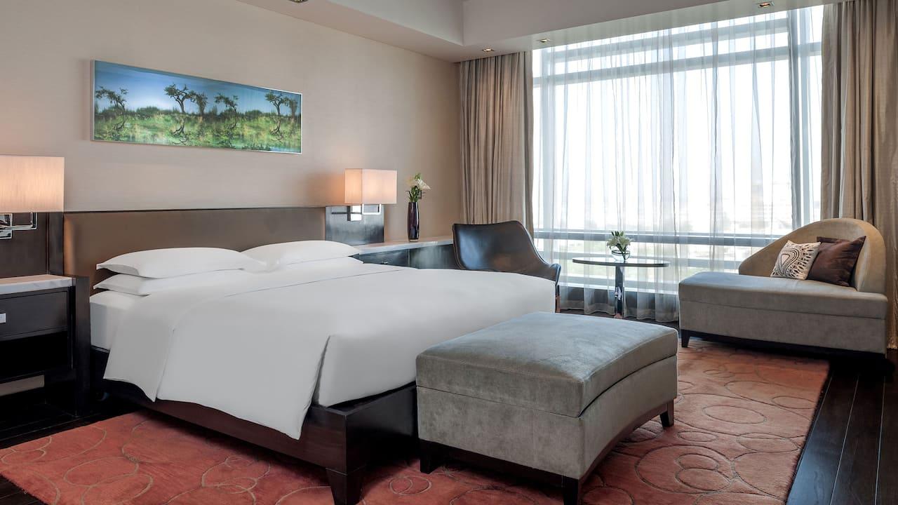 Diplomat Suite Bedroom