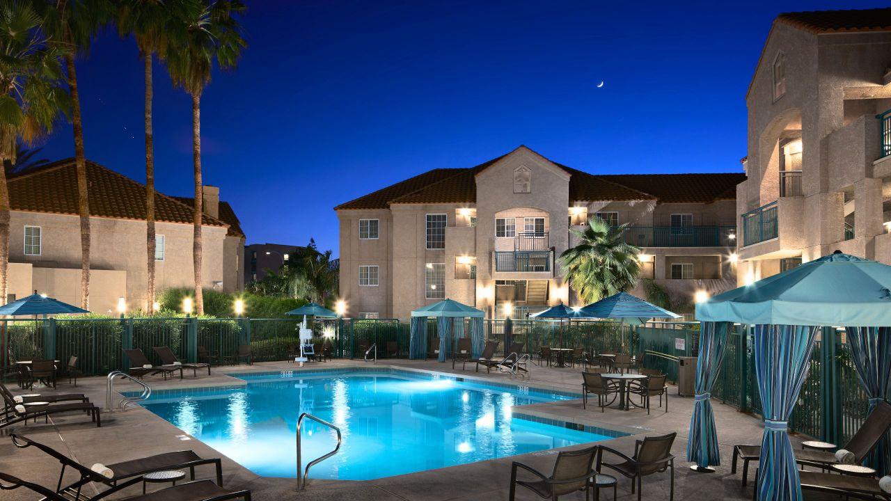 Hyatt House Borrows Outdoor Pool