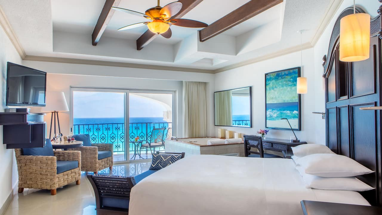 Ocean Front Junior Suite King Bed