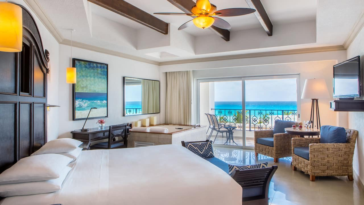Ocean Front Junior Suite King Room