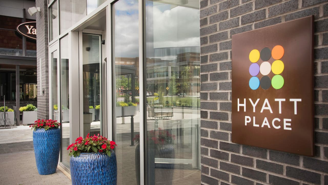 Hyatt Place Cleveland Westlake Crocker Entrance
