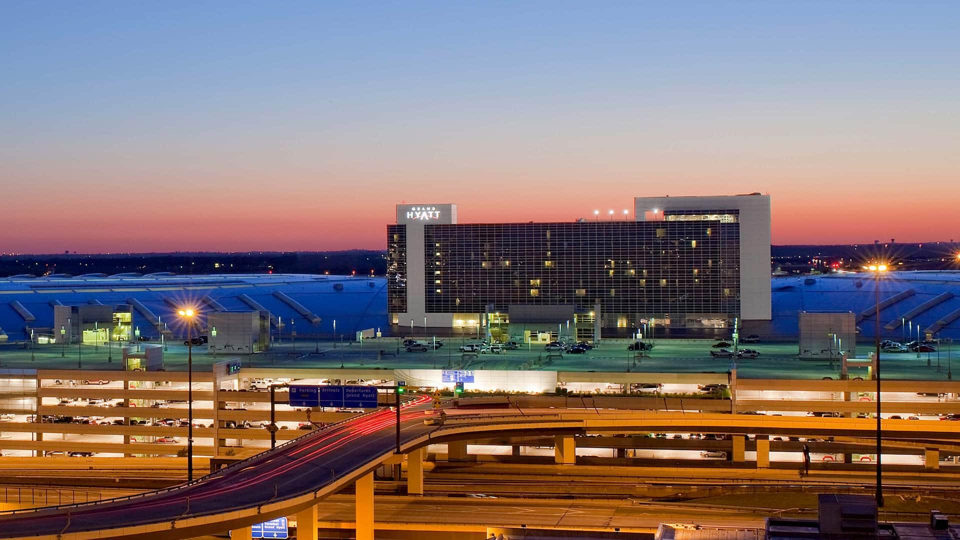 Dallas Airport Hotels >> Dallas Fort Worth Airport Hotel In Terminal D Grand Hyatt Dfw
