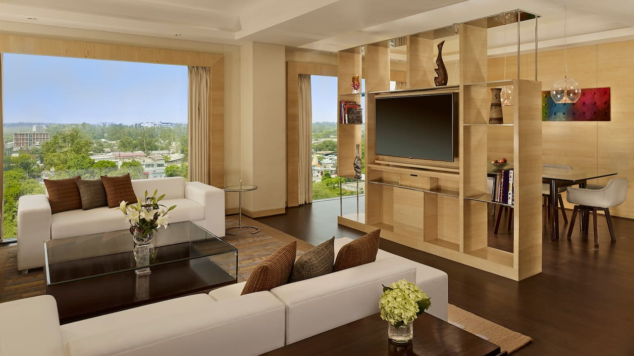 Suite Living and Dining Area