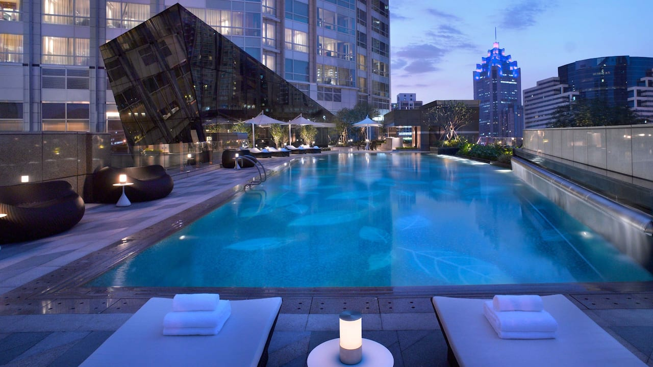 Grand Hyatt Shenzhen Pool
