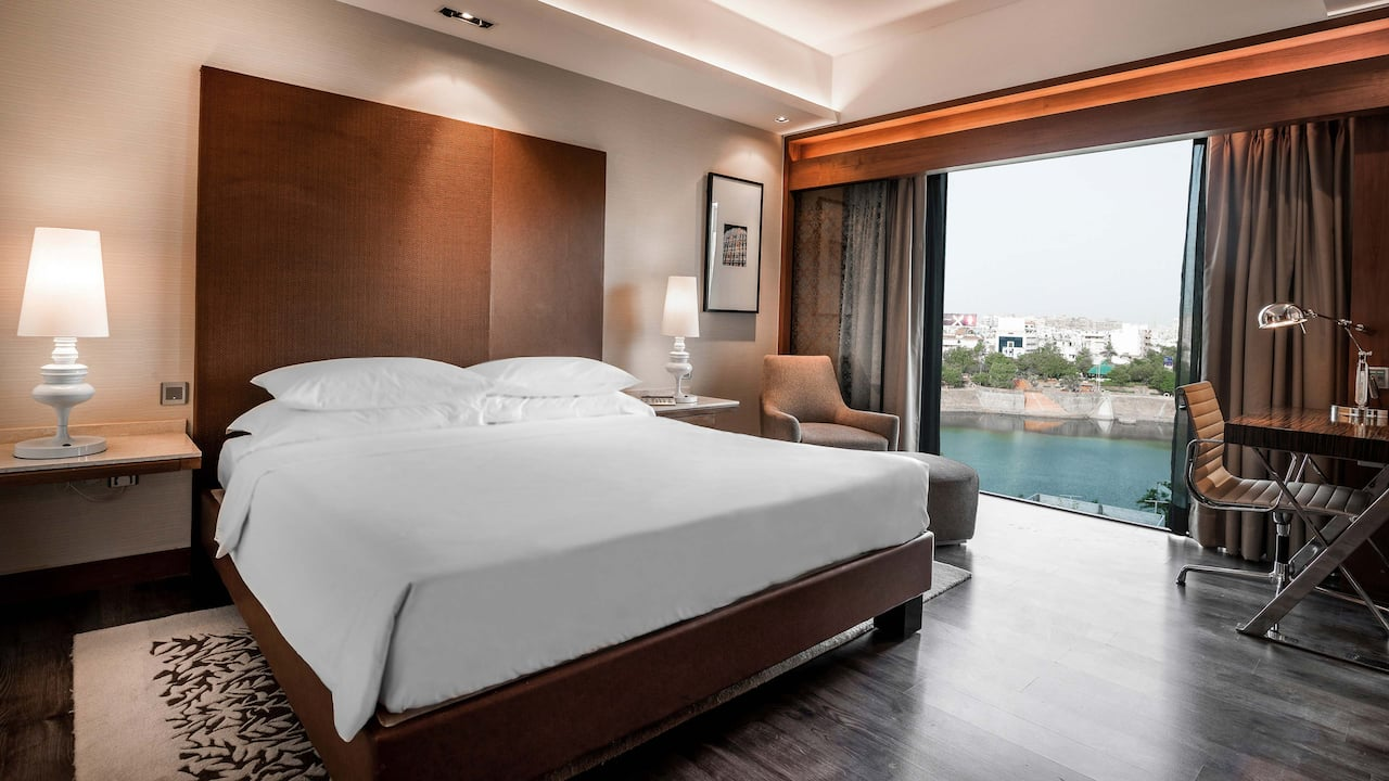 Hyatt Ahmedabad, King guestroom with Club access