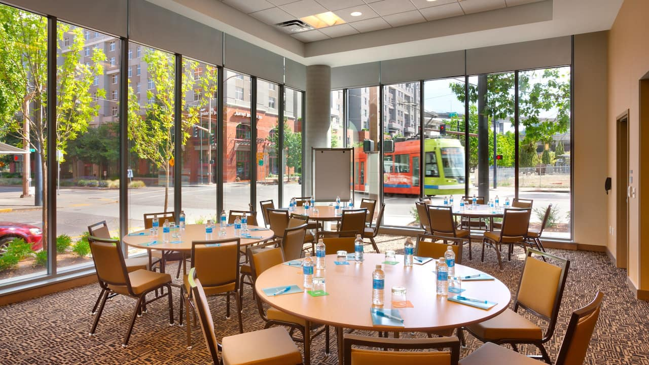 Hyatt House Portland Downtown Commons Breakfast Restaurant Seating located near Oregon Convention Center